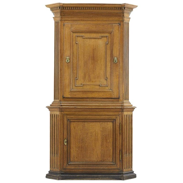 18th Century French Oak Cabinet For Sale