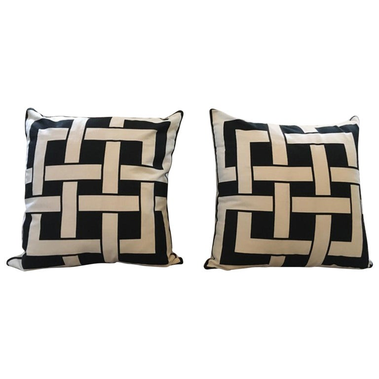 Italy Pair of Pillows in Geometric Black and White Cotton Print in Modern Style For Sale