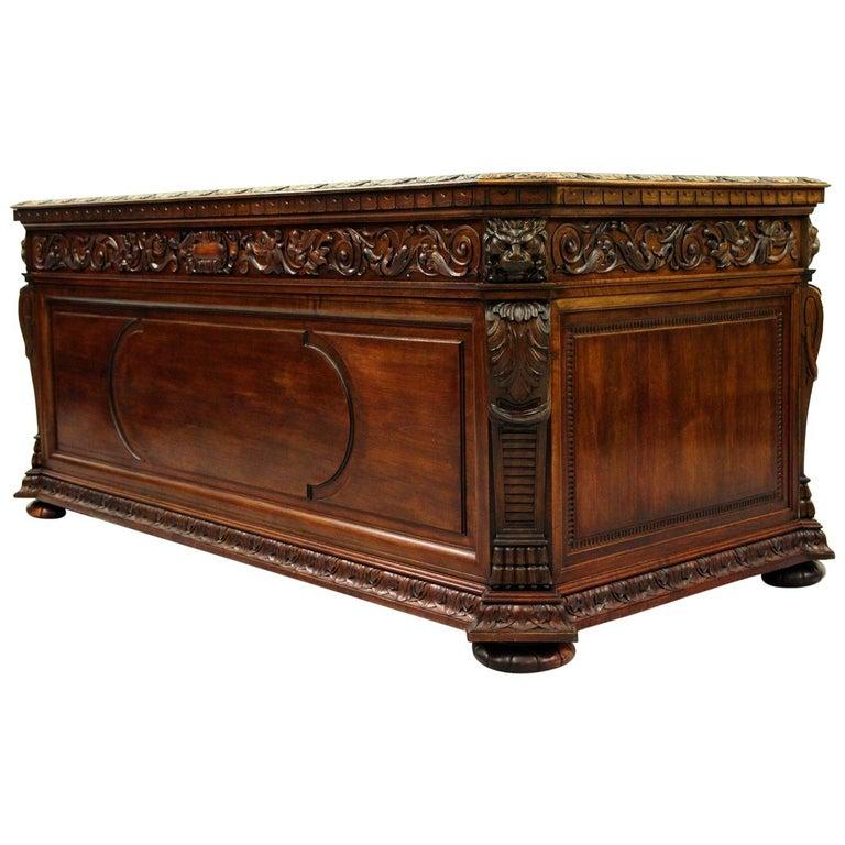 Antiker Herrenzimmer Schreibtisch mit Klauenfüßen 1