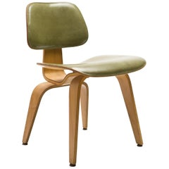 Rare Charles and Ray Eames DCW Chair in Green Leather