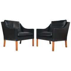 Pair of Børge Mogensen Model 2207 Black Leather Lounge Chairs