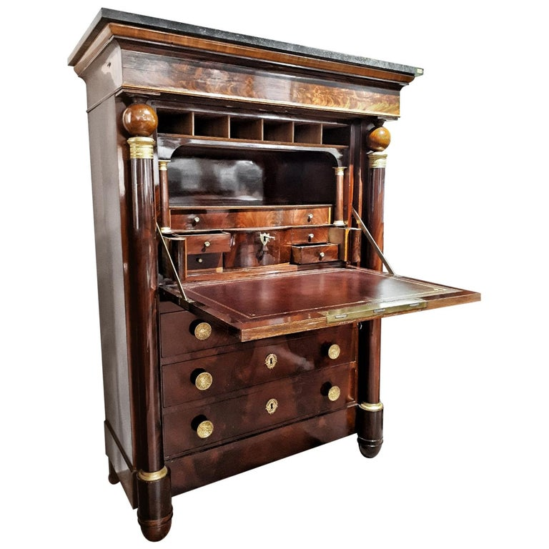 Early 19th Century Empire Flame Mahogany and Black Marble French Secretaire For Sale