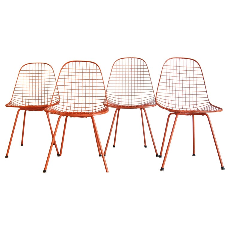Set of Four Wire Chair DKX 5 by Ray & Charles Eames Designed in 1951 For Sale