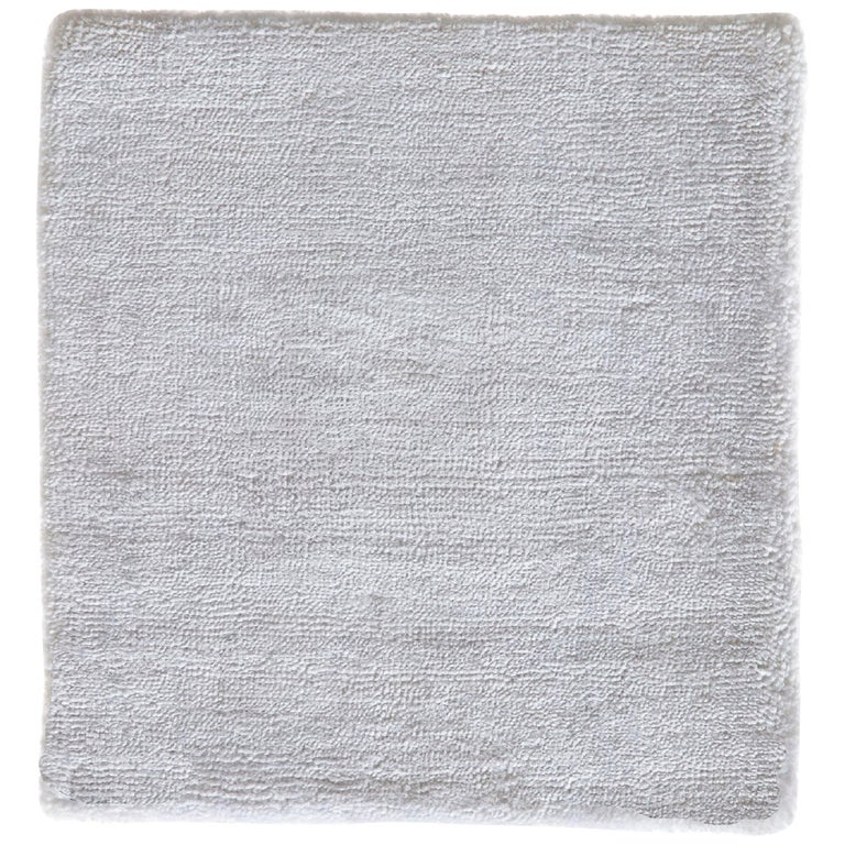 White Contemporary Bamboo Silk Hand Woven Rug For Sale