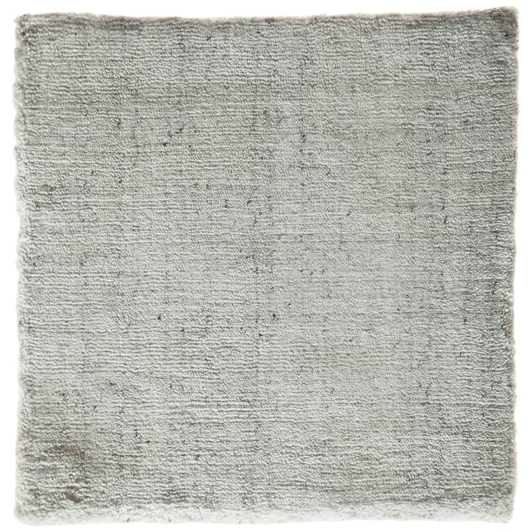 Modernist White Bamboo Silk Hand-Loomed Solid Rug with Silver Tone For Sale