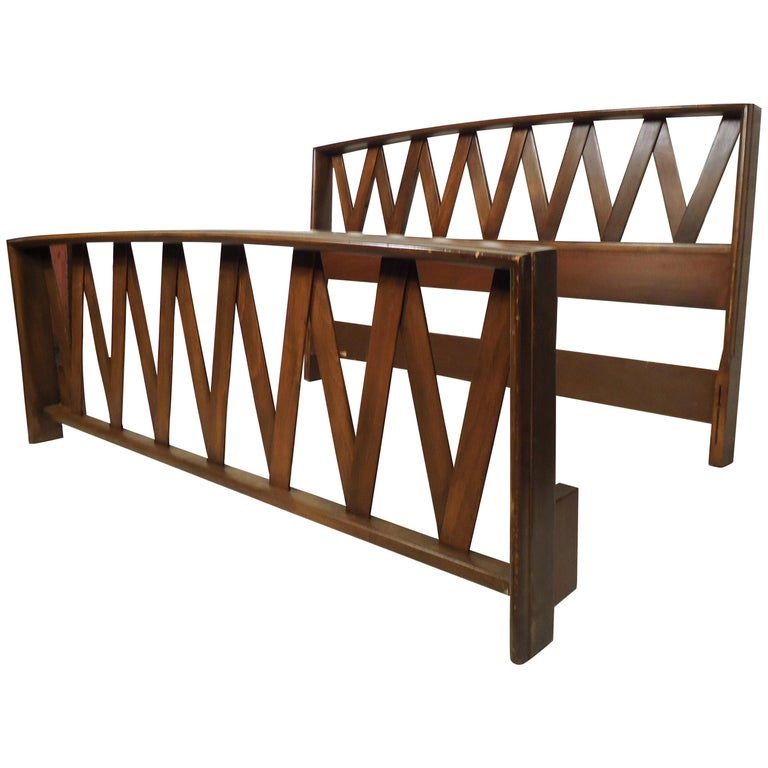 Mid-Century Modern Bed by Paul Frankl For Sale