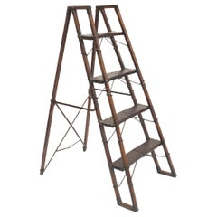 English Victorian Oak Collapsible Library Ladder