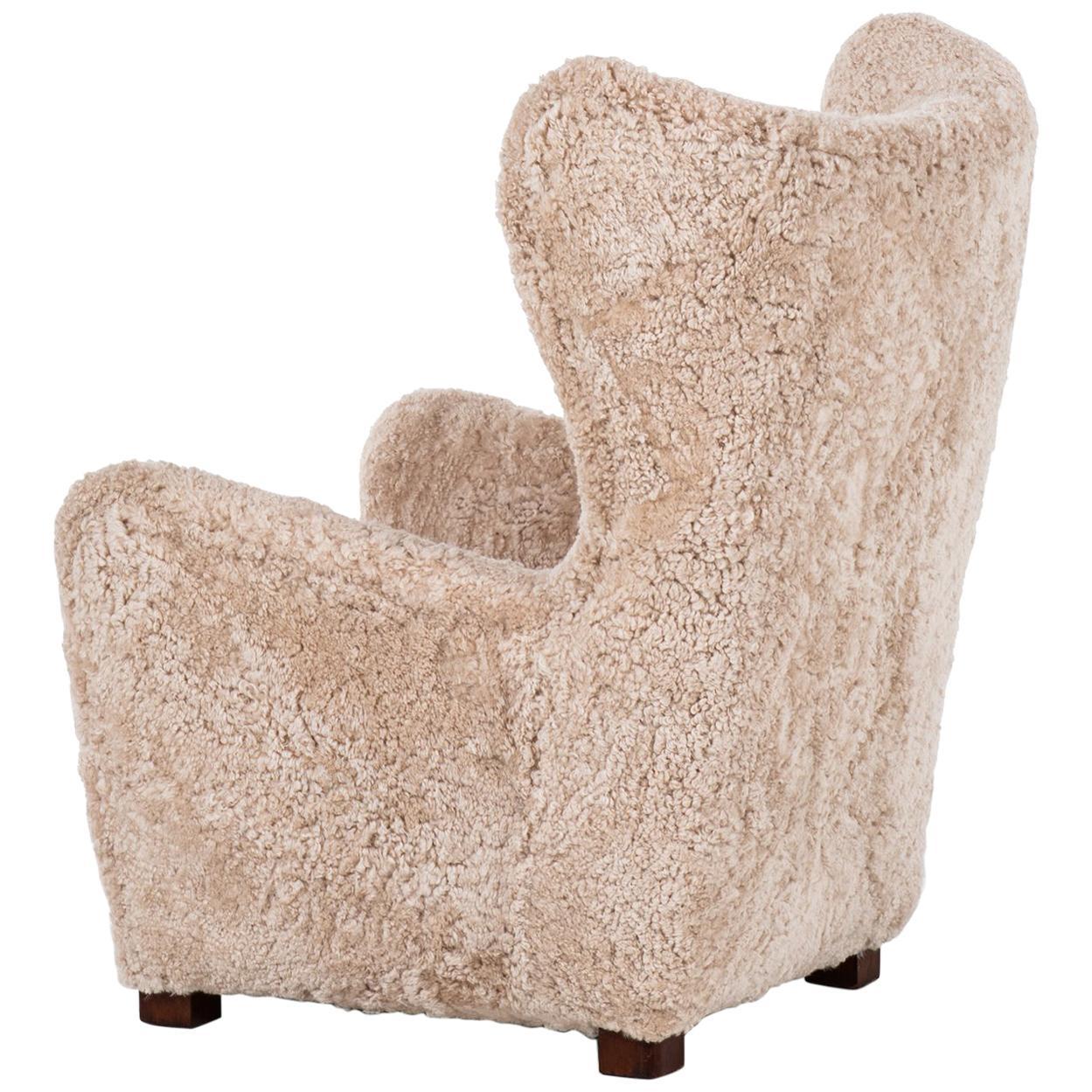 Fritz Hansen Wingback Easy Chair Model 1672 in Sheepskin and Oak