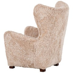 Fritz Hansen Wingback Easy Chair Model 1672 in Sheepskin and Oak