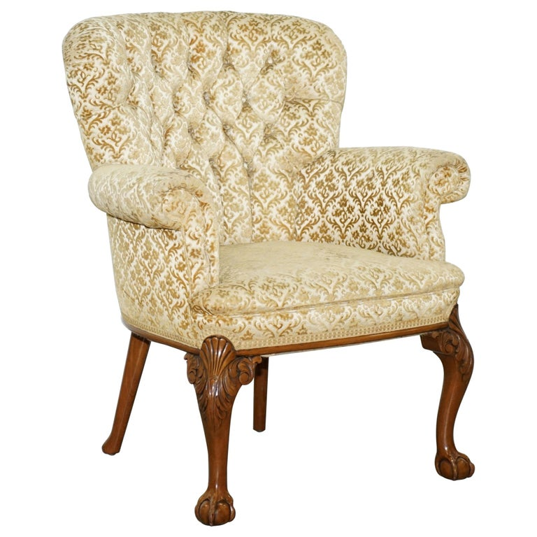 Walnut George II Style Claw and Ball Acanthus Carved Legs Chesterfield Armchair For Sale