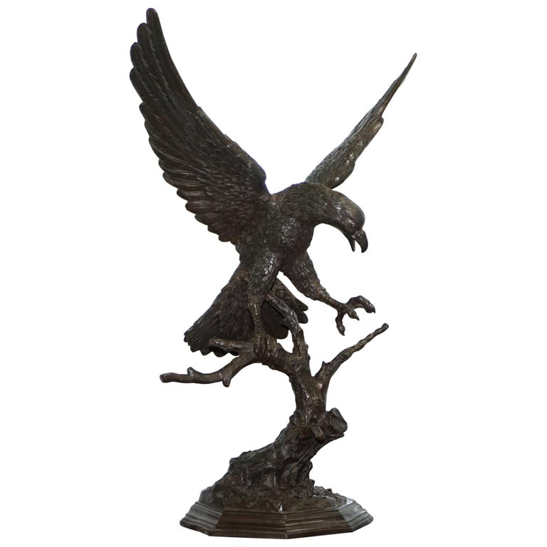 Jules Moigniez Solid Bronze 1860s Statue of Eagle France Made For Sale