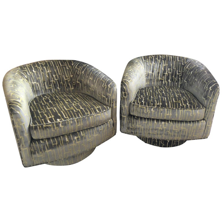 Pair of Milo Baughman Style Barrel Shaped Swivel Club Chairs For Sale