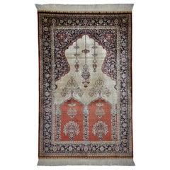 Antike handgeknüpfte Seide Beige und roten Teppich Hereke