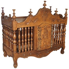 18th Century Walnut Wood Pannetiere from Provence, France