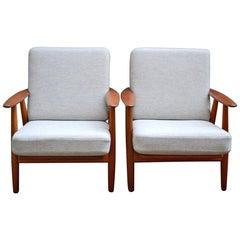 Set of 2 Cigar Chairs GE240 Oak/Teak/Fabric by Hans J. Wegner for GETAMA Denmark