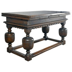 Anglo-Dutch 17th Century Oak Draw-Leaf Centre or Dining Table
