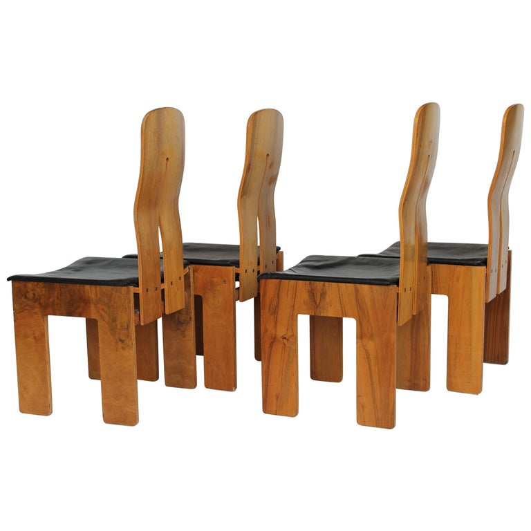 Set of Four Carlo Scarpa Walnut and Black Leather Chairs Mod1934/765 for Bernini For Sale