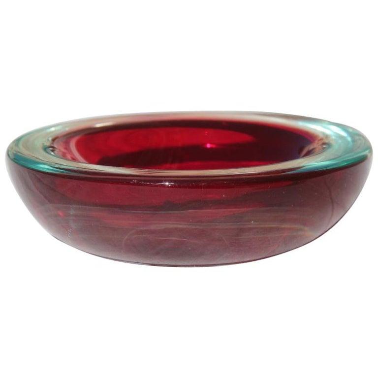 Small Bowl Seguso Design Red Color Murano Art Glass, 1960s For Sale