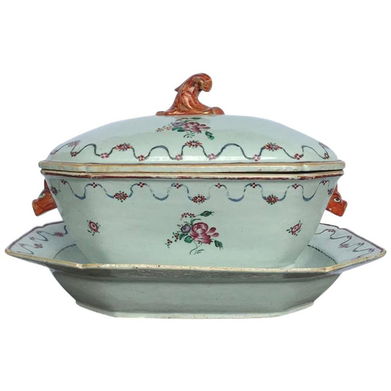Chinese-export porcelain tureen, cover and matching stand, 18th century
