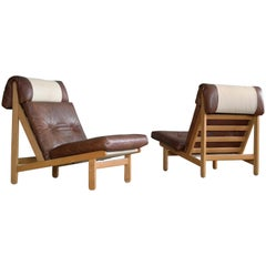 "Pair of Danish ""Rag"" Easy Lounge Chairs in Oak and Leather by Bernt Petersen"
