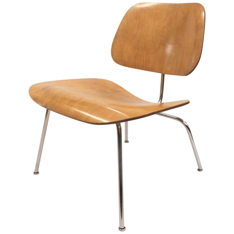 Early 1950s Mid-Century Modern Eames LCM Birch Lounge Chair by Herman Miller For Sale