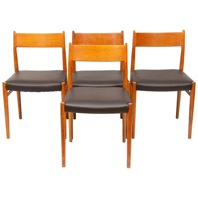 1960s 4 Teak and Leather Arne Vodder Sibast Scandinavian Model 418 Dining Chairs For Sale