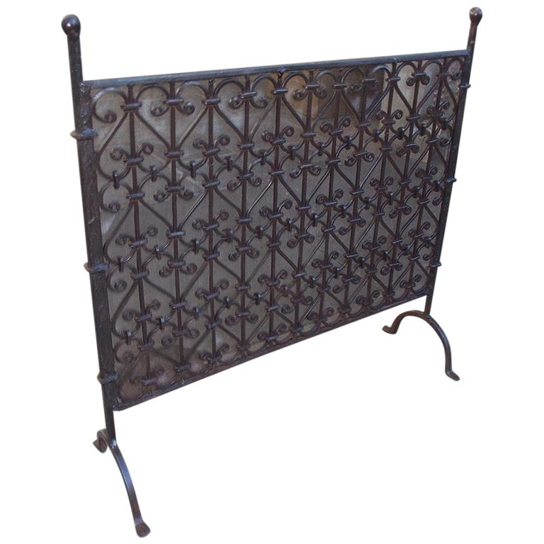 American Wrought Iron Ball Top Freestanding Fire Place Screen, Circa 1820 For Sale