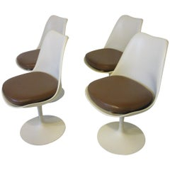 Eero Saarinen Tulip Dining Chairs for Knoll