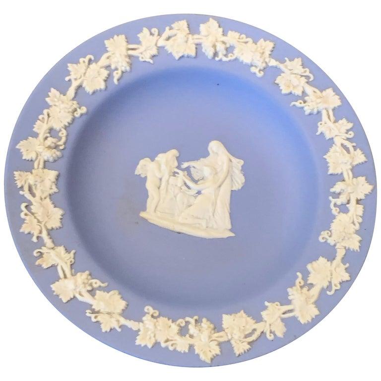 Mid-century Wedgwood Jasperware Cream on Blue For Sale