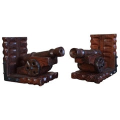 Hand Carved Medieval Style & Excellent Condition Wooden Canon on Wheels Bookends
