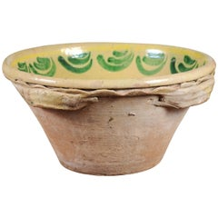 Italian 1820s Yellow Glazed Pottery Bowl from Calabria with Green Accents