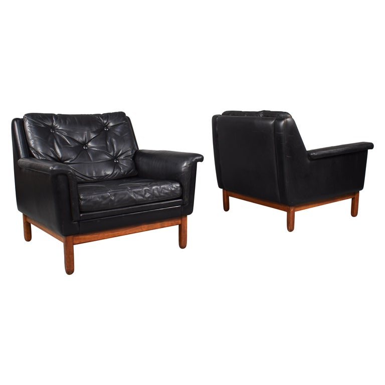 Pair of Danish Black Leather Club Lounge Chairs, circa 1950 For Sale