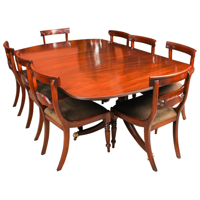 George III Regency Dining Table 19th Century with 8 Bespoke Dining Chairs For Sale