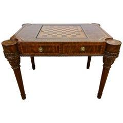 Maitland-Smith geschnitzter Mahagoni Spieltisch mit Lederoberfläche