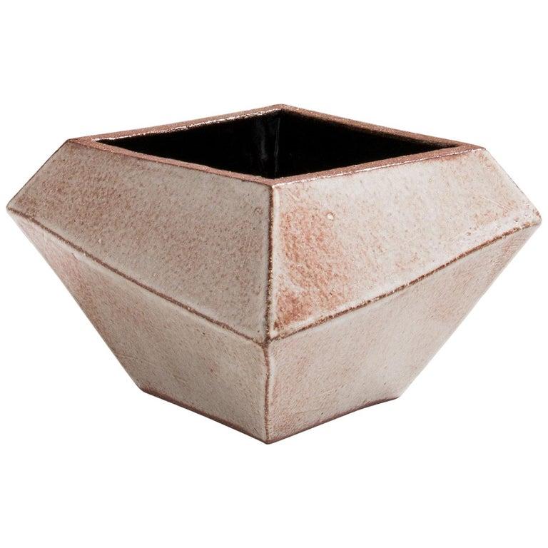 Facettiertes glänzendes graues, rostfarbenes und schwarzes modernes geometrisches Keramikgefäß 1
