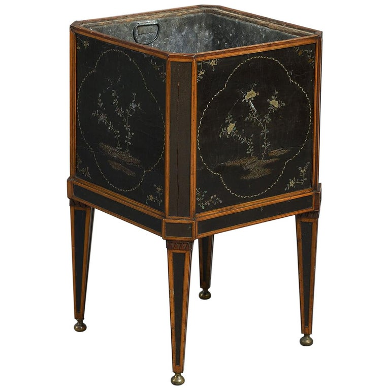 18th Century Dutch Lacquer-Mounted Teestoof, Jardinière or Wine Cooler For Sale