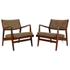 Mid-Century Modern Jens Risom Pair of Walnut Lounge Armchairs, 1960s