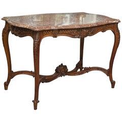 Anfang des 20. Jahrhunderts Zentrum Louis XV-Stil Nussbaum Tisch mit Marmorplatte