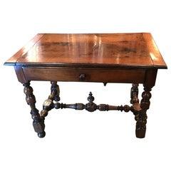 18. Jahrhundert Französischer Provenzalischer Walnuss Schreibtisch