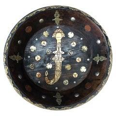 Vintage Marokkanische Tuareg Ebenholz Servierschale mit Intarsierten Knochen & Französischen Maroc-Münzen