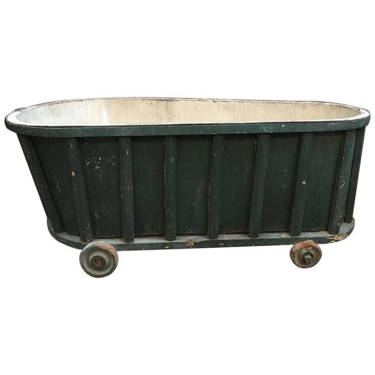19th Century French Bath Tub Covered with Green Painted ...