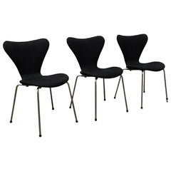 1955, Arne Jacobsen, Fritz Hansen, Set 3107 Butterfly Chairs in Black Upholstery