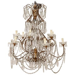 20th Century Louis XVI Style Gilded Bronze and Crystals Large Luxury Chandelier