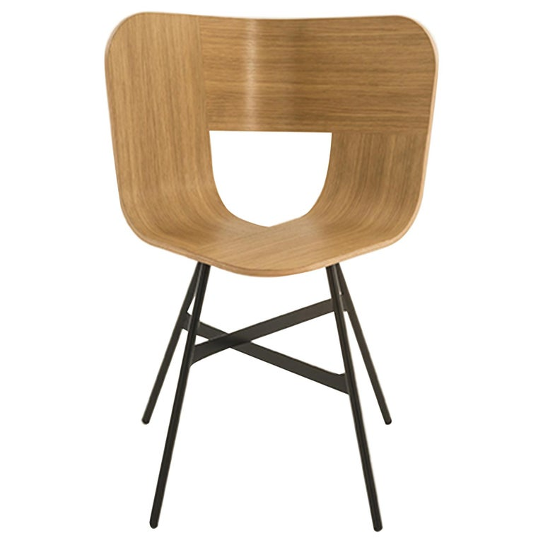 Tria Chair, Oakwood Shell, Black Metal Legs, Solid Minimalist Design Icon For Sale