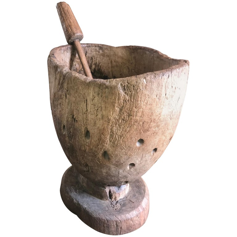 18th-19th Century Carved Wood Mortar and Double Ended Fluted Pestle for the Corn For Sale