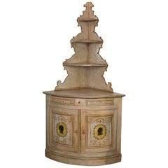 Antiker Bemalter Eckschrank aus Norditalien, Österreich, um 1800