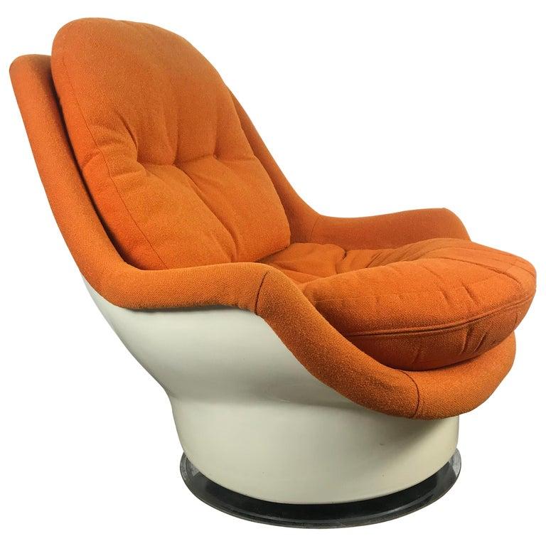 Fiberglass Space Age Tilt /Swivel Lounge Chair, Milo Baughman, Thayer Coggen