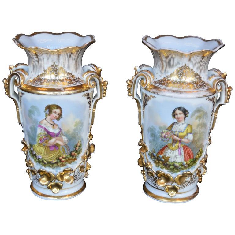 Pair of Vieux Paris Gilt Porcelain Vases For Sale