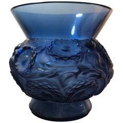 1930 René Lalique Soucis Vase in Dark Blue Glass - Flowers