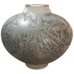 1924 Rene Lalique Aras Vase Frosted Glass Blue Stain, Parrots